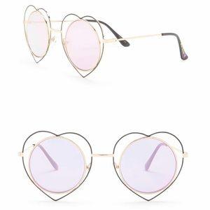 🆕 Betsey Johnson Round Heart Frame Sunglasses